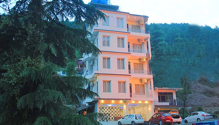 hotel triund heights bhagsu